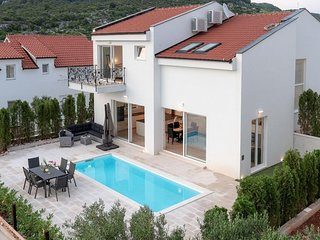 Three bedroom house Hvar (K-15992)