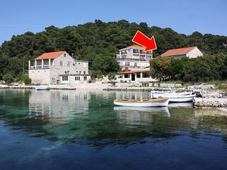Two bedroom apartment Pomena, Mljet (A-10426-a)