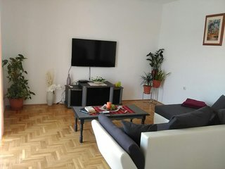 Three bedroom apartment Kaštel Novi (Kaštela) (A-16018-a)
