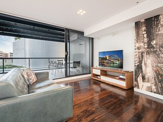 Sleek Split Level 2BR apartment Surry Hills SH1407