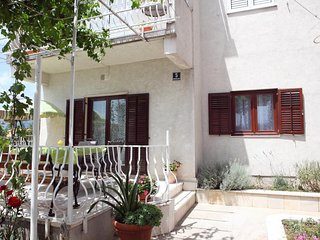 One bedroom apartment Solin, Split (A-16067-a)