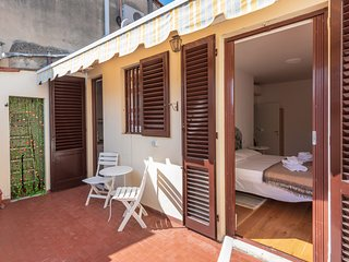 PITTI Cozy Apartment with terrace!!