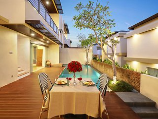 2 Bedroom Villas Private Pool with Ocean View on Rooftop