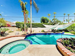 2BR/2BA Large Patio/ Pool and Jacuzzi in Palm Springs & Mountain Views