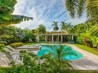 Tropical urban oasis, 3BR pool home on the waterfront in MiMo District