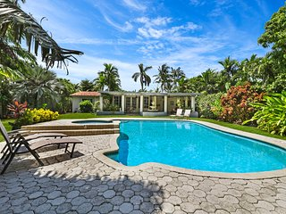 Miami Serenity - Three Bedroom Home - House
