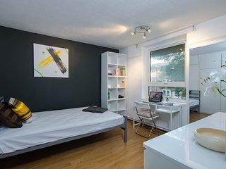 Gough Walk House . Exquisite 3 Bedroom House Close to Canary Wharf