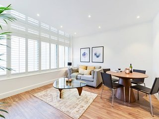 19 Fortess Rd F-02 · Classy 1 Bedroom Apartment Near Camden Town