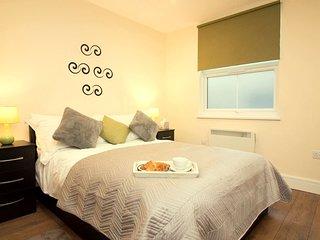 Ealing, Flat 4  . Appealing One Bedroom Flat In Ealing