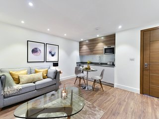 Fortess Road Flat 7 · Fantastic Apartment With A Balcony Nearby Camden