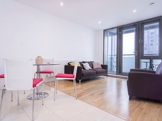 Stratford 127 · Indulgent 2 Bedroom Apartment In East London