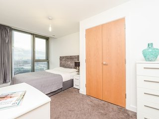 Stratford 132 · Contemporary 2 Bedroom Apartment In Stratford