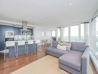 Royal Oxygen 84 . Elegant 2 Bedroom Apartment Near The O2 Arena