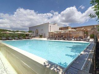Masseria con piscina zona Mal