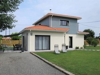3 bedroom Villa in Lège-Cap-Ferret, Nouvelle-Aquitaine, France : ref 5650008