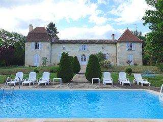 Chateau des Grillauds - Elegante Chartreuse de caractere en Dordogne-Perigord