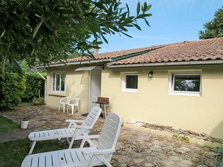 2 bedroom Villa in L'Amelie, Nouvelle-Aquitaine, France : ref 5654240