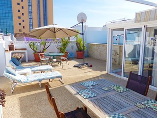 Private rooftop pool and terrace Ref 87