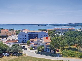 4 bedroom Apartment in Premantura, Istarska Županija, Croatia - 5520565