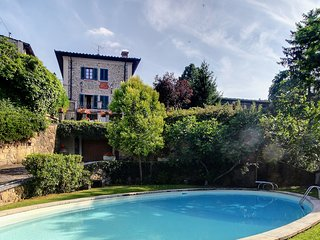 Lucolena in Chianti Holiday Home Sleeps 10 with Pool and WiFi - 5226906