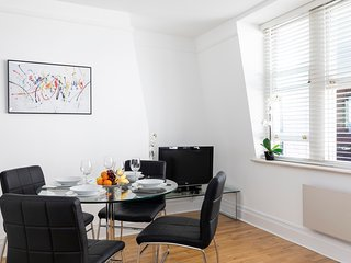 144. COSY 1BR IN THE HEART OF HOLBORN - CHANCERY LANE AREA