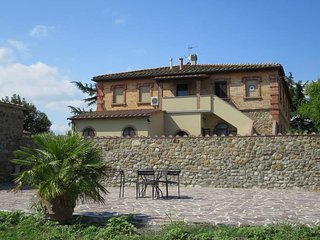 3 bedroom Apartment in Podere Sant'Elisa, Tuscany, Italy : ref 5583199
