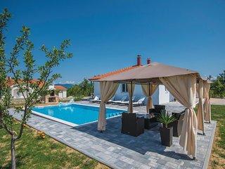 3 bedroom Villa in Aračići, Splitsko-Dalmatinska Županija, Croatia : ref 5571453