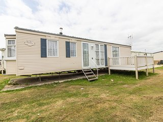 4 Berth Caravan in St Osyth Holiday Park. Clacton-on-Sea. Ref: 28003