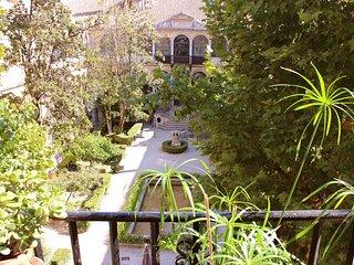 Habitación Jardín en pleno centro de Granada