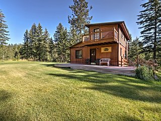 Conconully House w/Deck on 42 Acres - Near Hiking!