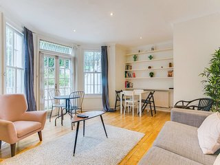 2 Bed 1.5 Bath near Portabello / Notting Hill