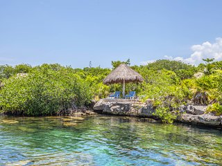 Beautiful 'Villa Azul Riviera' With private entrance to Cenote and Lagoon