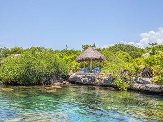Beautiful 'Villa Azul Riviera' With private entrance to Cenote and Lagoon