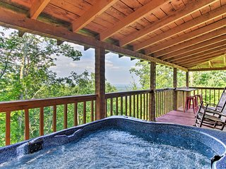 NEW! Sevierville Cabin - 7 Miles to Pigeon Forge!