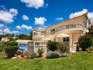 N023 Golfe Santo Antonio - Beautifully furnished 3 bedroom Villa with pool, sea