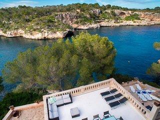 Villa Cala Figuera, with pool, private sea access, WiFi & parking