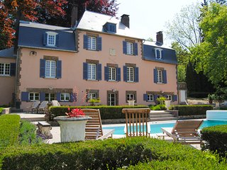 4 bedroom Chateau in Mezilles, Bourgogne-Franche-Comte, France : ref 5654511