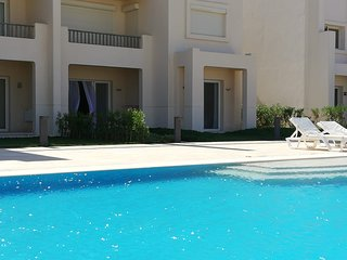 2 bedrooms apartment in Jubal ( near Abu Tik Marina ) .