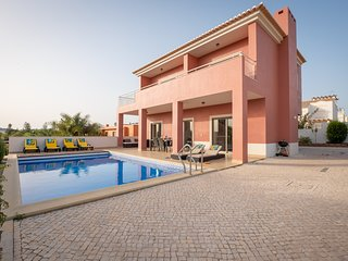 RLAG46 - Amazing villa with private pool and air conditioning