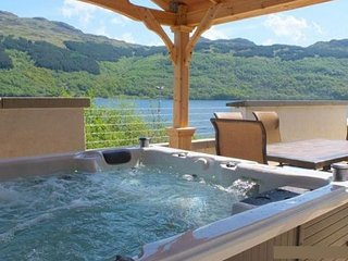 Jenny's Bay at Loch Goil - Hot tub property overlooking Loch Goil