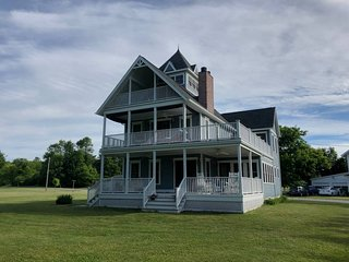 Wellesley Island House - 5 Bed, 2 1/2 bath (Upstate New York - Thousand Islands)
