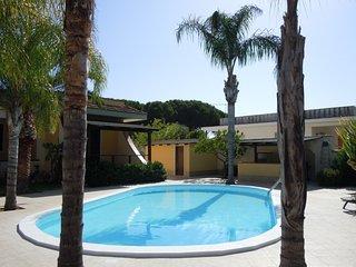 Casa Balena con piscina vicino al mare