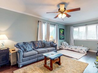 NEW LISTING! Gorgeous condo with sound views, shared pool, near shopping/dining!