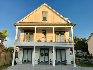 NEW Luxury Beach House Chef's Kitchen 7 BR 8 BA 3850 Ft Pool 2 min walk to Beach