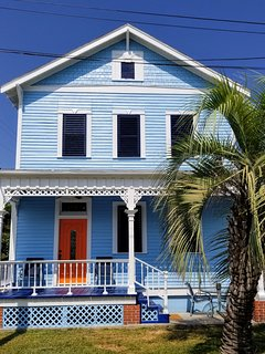 CASA AZUL (One Block to Beach Three Blocks to Pleasure Pier)