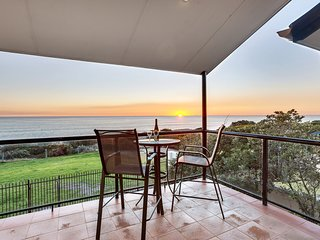 STUNNING ADELAIDE DIRECT BEACHFRONT APARTMENT