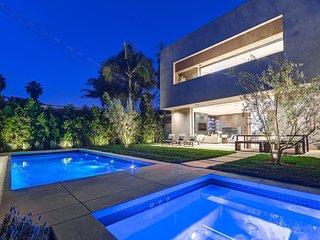 1155 - Beverly Luxury Villa