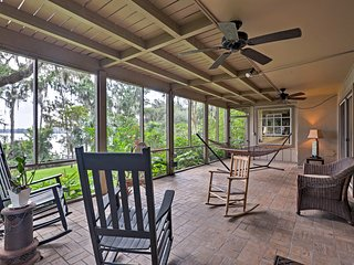 NEW! Lakefront Florida Apartment w/Kayak & Canoe!