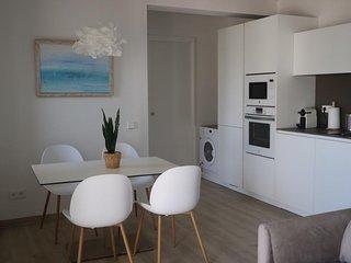 Apartamento con vistas al mar y a 50 m de la playa