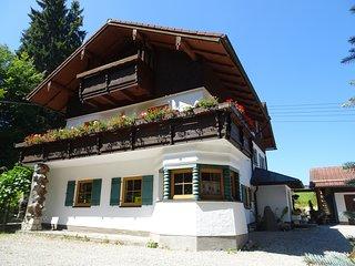 Villa im Wald, ruhige Ferienwohnung in idyllischer Lage, grosser Balkon